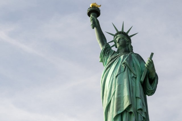When Do You Need a Green Card Lawyer